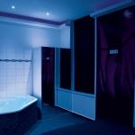 Laufhaus Max Winter Wien Zimmer mit Jacuzzi blau