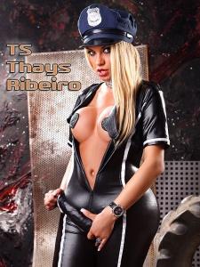 TS Thais Ribeiro | die mit dem Waffenschein
